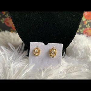 Jewelry - 18 k goldfilled earings